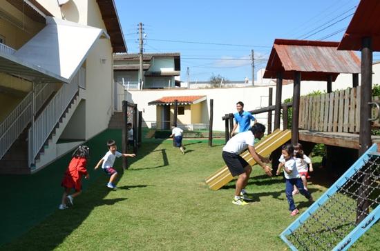 ブラジルの幼稚園での鬼ごっこワークショップ開催1
