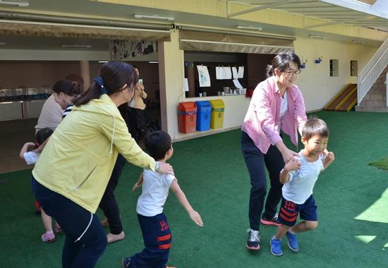 ブラジルの幼稚園での鬼ごっこワークショップ開催4