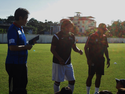 JDFA Football Clinic School visit in ASCOT2