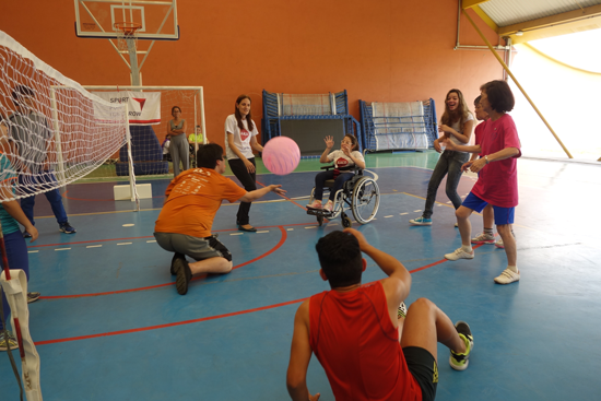 """Dissemination of """"Fusen Volleyball (Balloon Volleyball)"""" </br>and """"Takkyu Volleyball (Table Tennis Volleyball)"""" in Brazil, Paraguay, and Argentina2"""