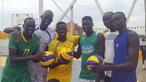 南スーダンへのバレーボール寄贈1