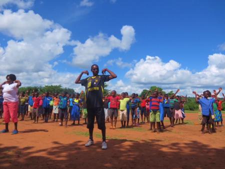 マラウイにおける「UNDOKAI」「ラジオ体操」の実施4