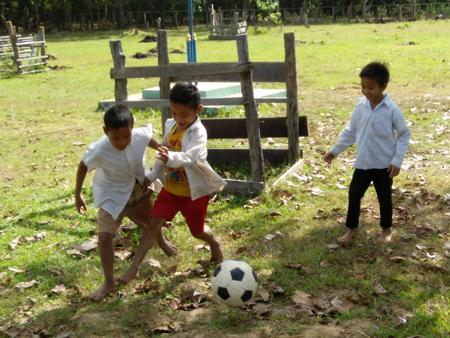 スポーツ用具支援活動2