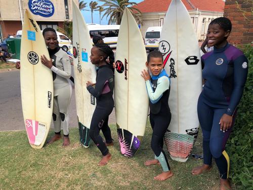 Surf for Smile 南アフリカにサーフボードを贈るプロジェクト2