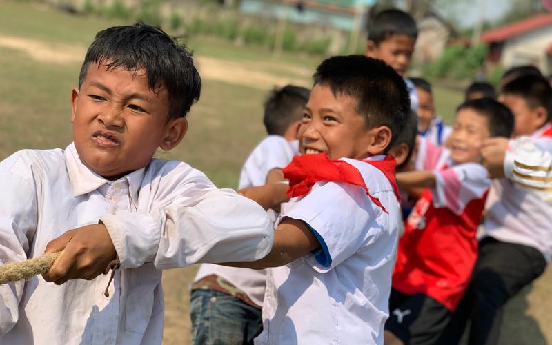小学校におけるスポーツイベントの開催、スポーツ用具の寄付1