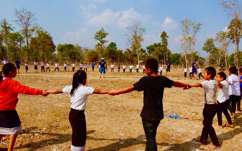 小学校におけるスポーツイベントの開催、スポーツ用具の寄付2
