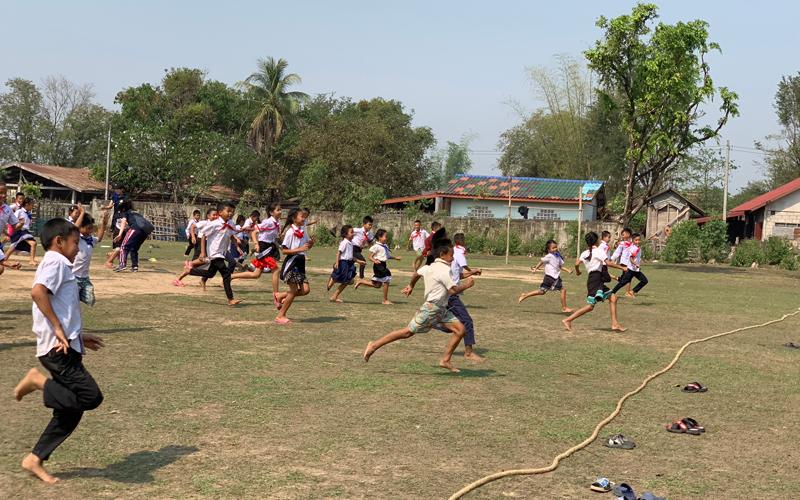 小学校におけるスポーツイベントの開催、スポーツ用具の寄付3