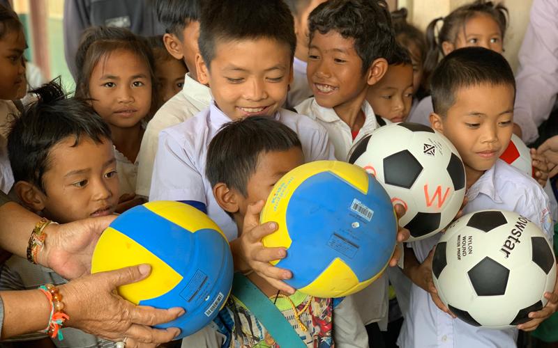 小学校におけるスポーツイベントの開催、スポーツ用具の寄付4